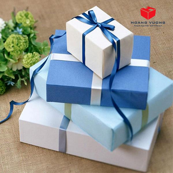 Hộp quà 8-3