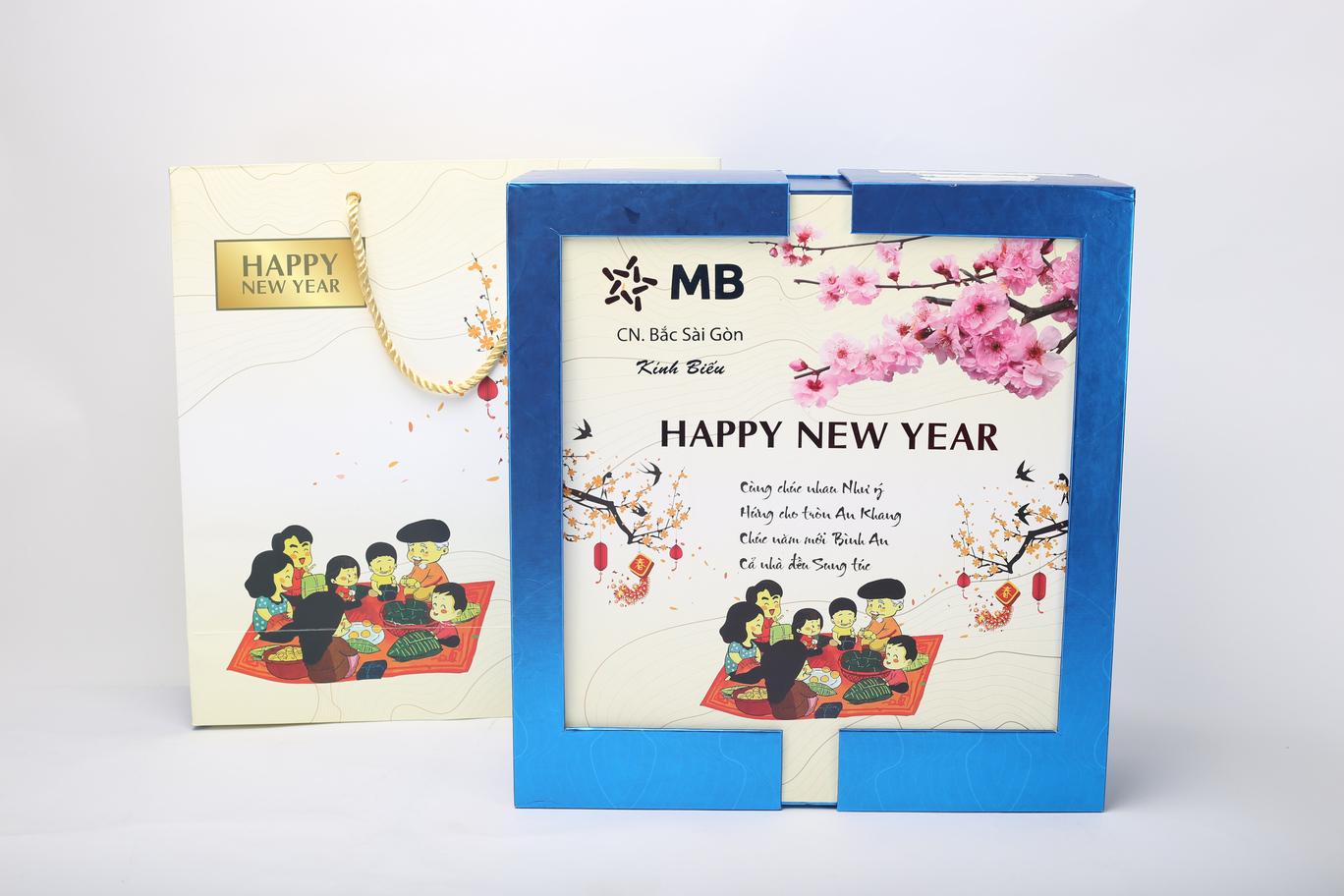 Mẫu hộp mở 2 cánh Happy New Year