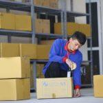 Đóng gói hàng hóa bằng thùng carton